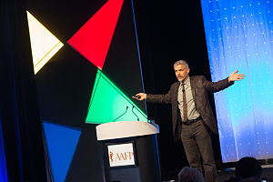 Dike-Drummond-Healthcare-Speaker-AAFP-Scientific-Assembly-General-Session-main-stage-close-up-2014_opt-300W