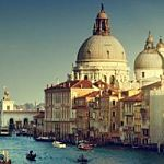 stop-physician-burnout-venice-grand-canal_opt.jpg